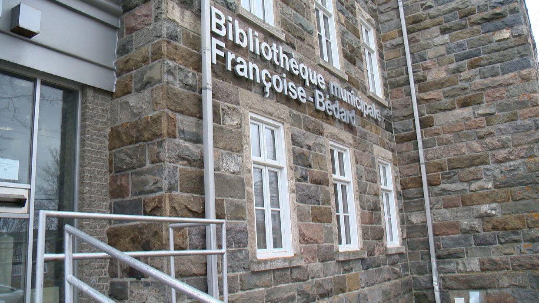 La Ville de Rivière-du-Loup abolit les frais de retard à la bibliothèque Françoise-Bédard - CIMT-CHAU